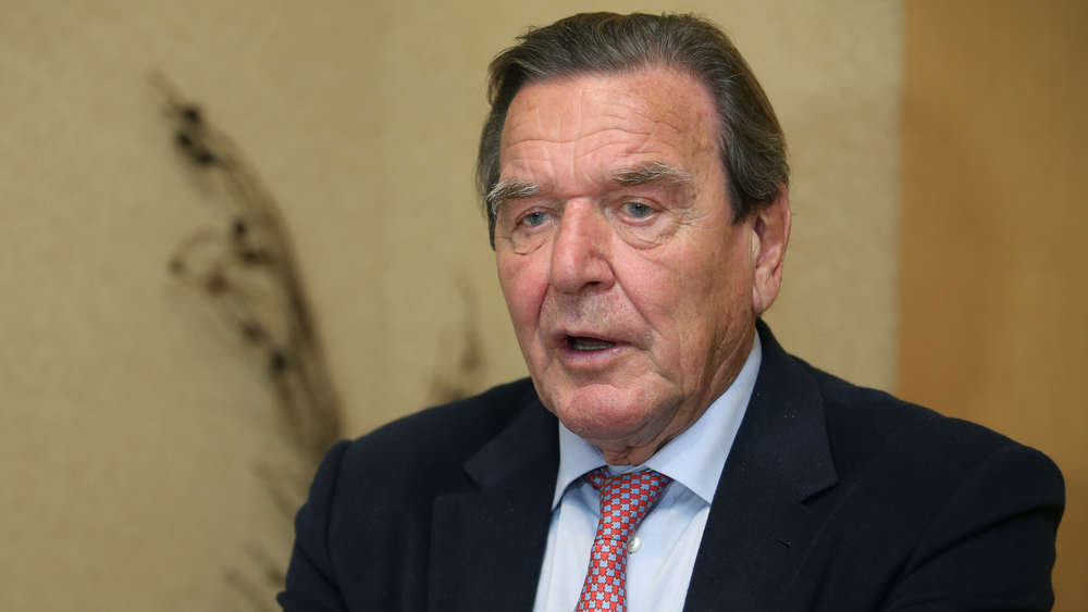Schröder: Západní svět chce izolovat Čínu, je nemožné uspět
