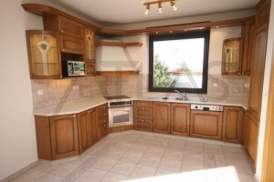 Updated kitchen - Rent of 4 BD family house Praha 6 - Horomerice