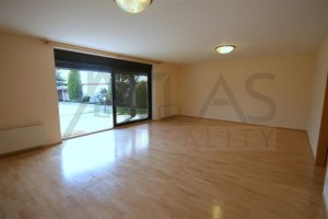 Rent of 4 BD family house Praha 6 - Horomerice