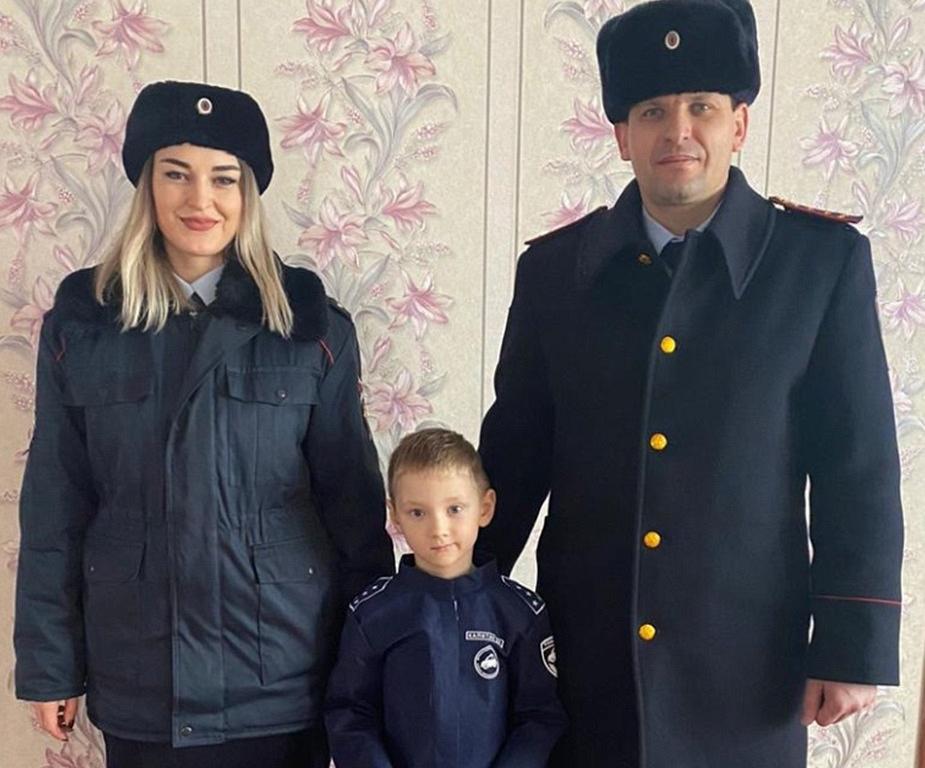 V regionu Belgorod se šéf regionální dopravní policie setkal s nadaným chlapcem, který sní o službě v dopravní policii