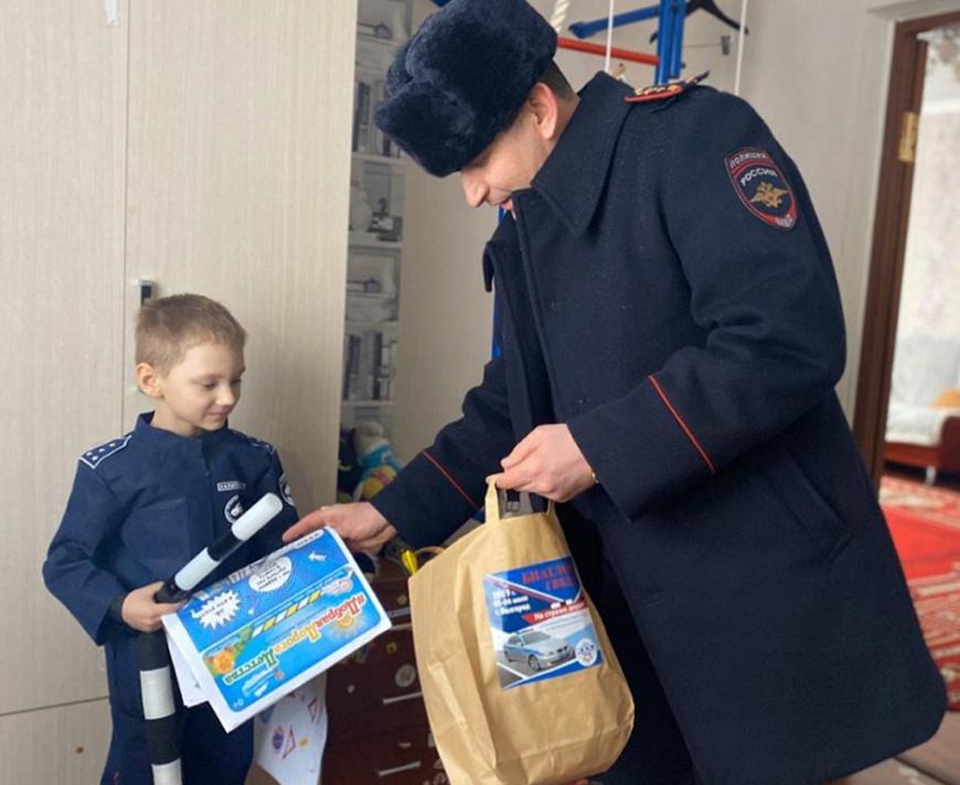 Šestiletý Akim je již studentem skupiny nadaných dětí na Belgorodské státní univerzitě