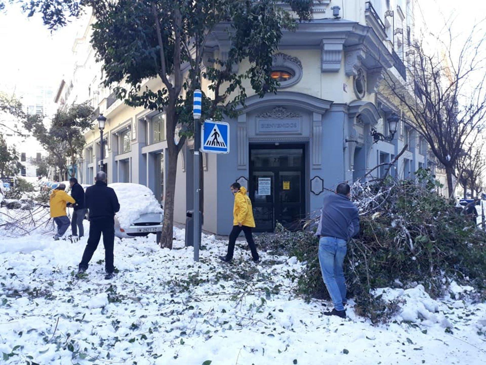 Když sněhová bouře Filomena ochromila Španělsko, mobilizovali se madridští dobrovolní duchovní, aby poskytli naléhavě potřebnou pomoc
